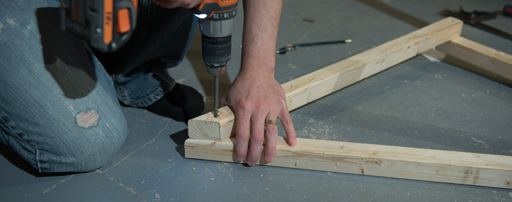 attaching ground braces to stand